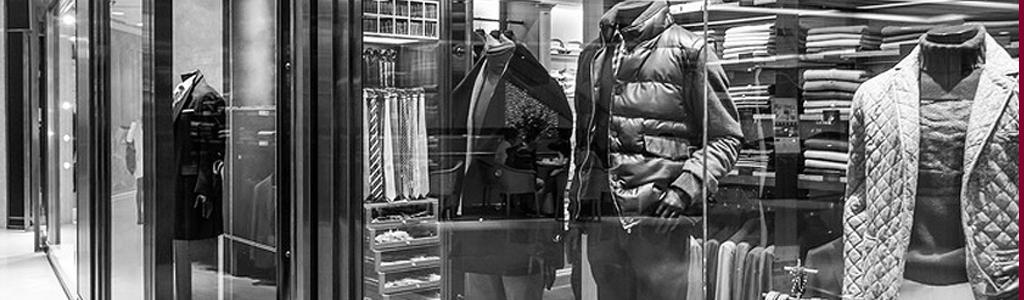 Schaufenster eines Bekleidungsgeschäftes